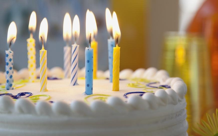 Картинки с тортом и 9 свечками на нем
